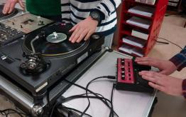 Workshop DJ techniek op school 3