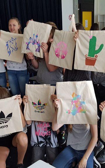 Workshop Monotype Design op school 1