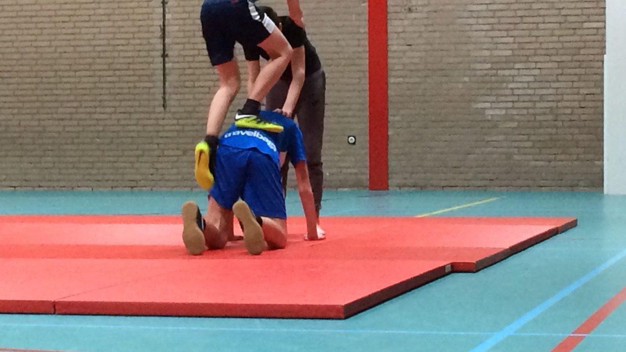 Workshop acrobatiek op school 2